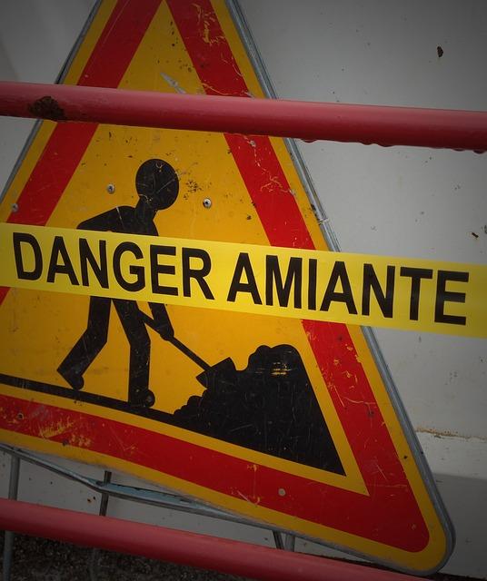 asbestos-hazard-1001056_640